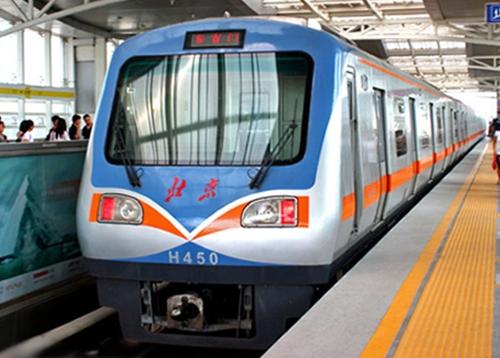 北京地铁13号线前窗