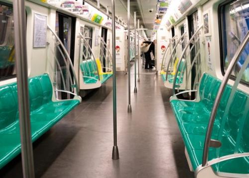 地铁内饰屏风玻璃